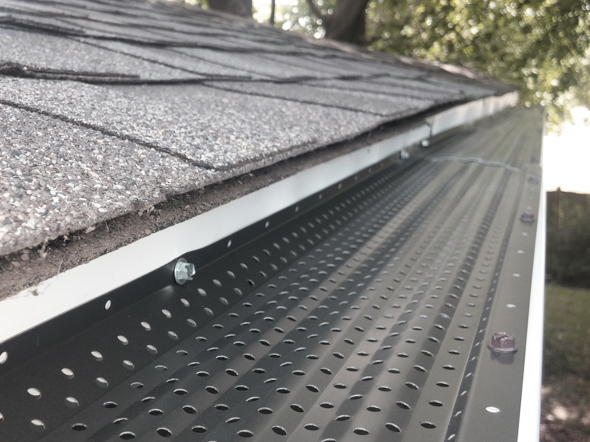 Reliable Roof Cleaning Services By Professionals